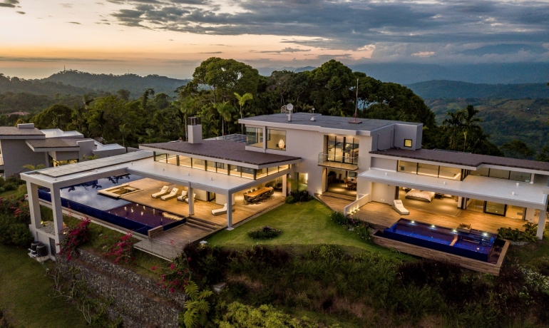 Chateau Montage – Dominical Most Impressive Contemporary Mansion