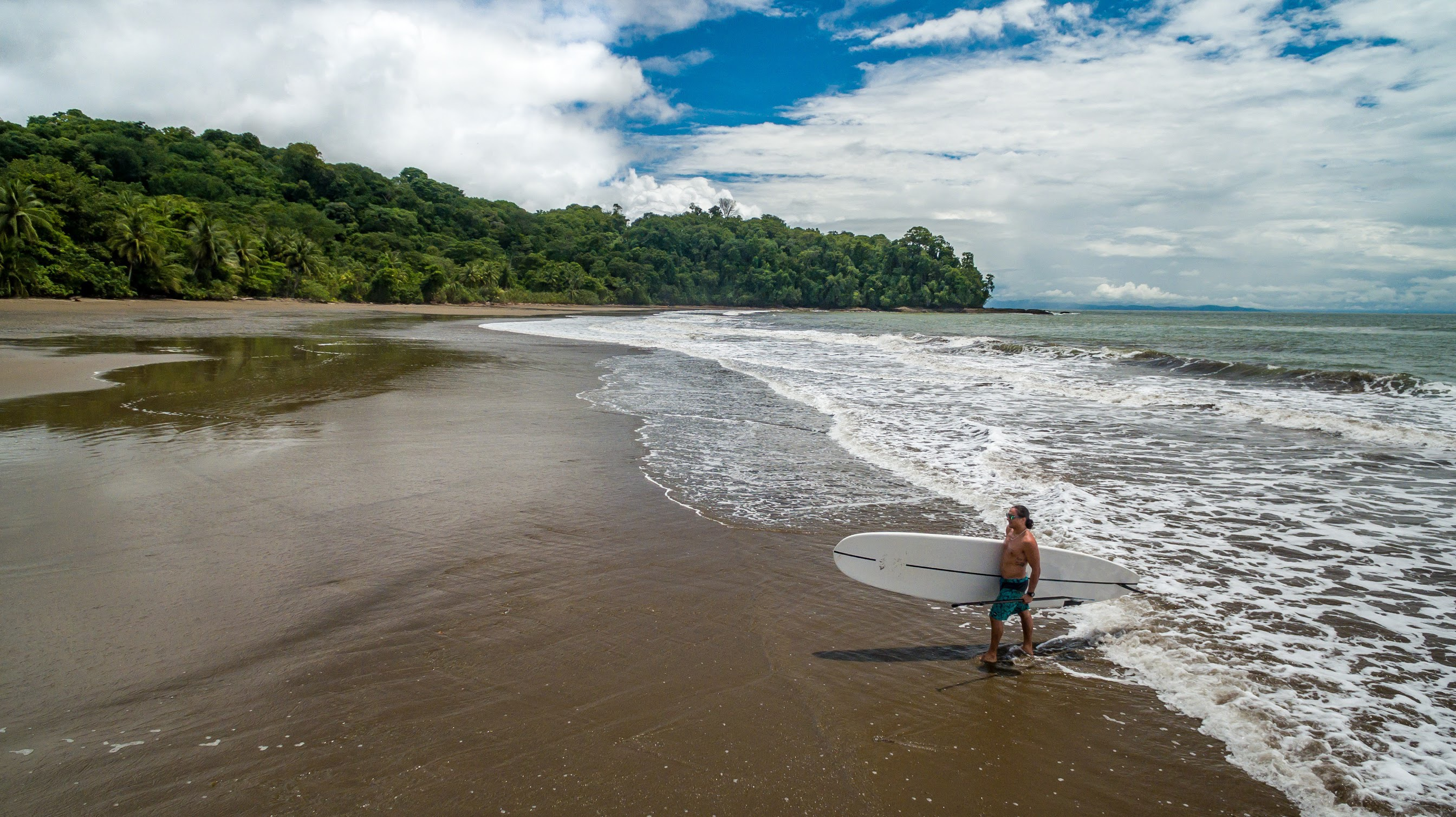 beach surfing costa rica uvita