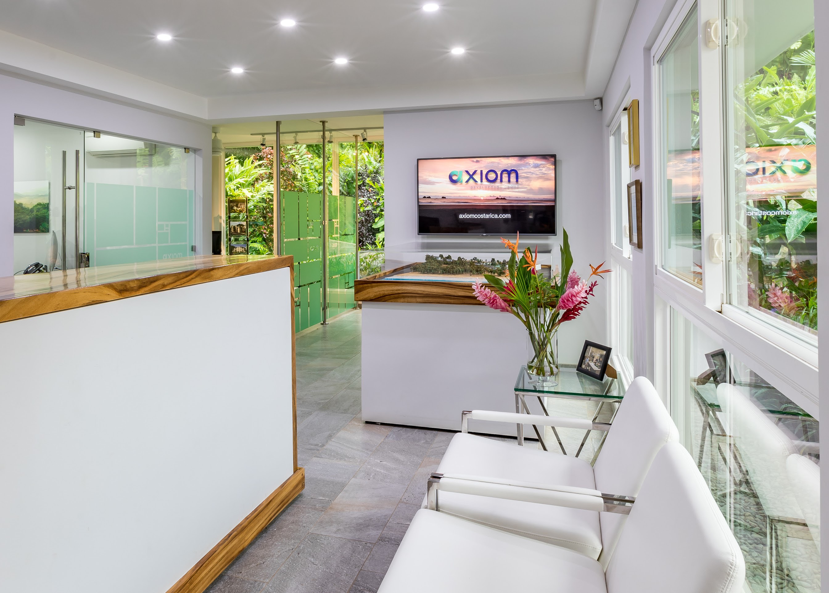front desk office axiom costa rica